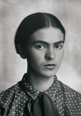 frida_kahlo_by_guillermo_kahlo_2