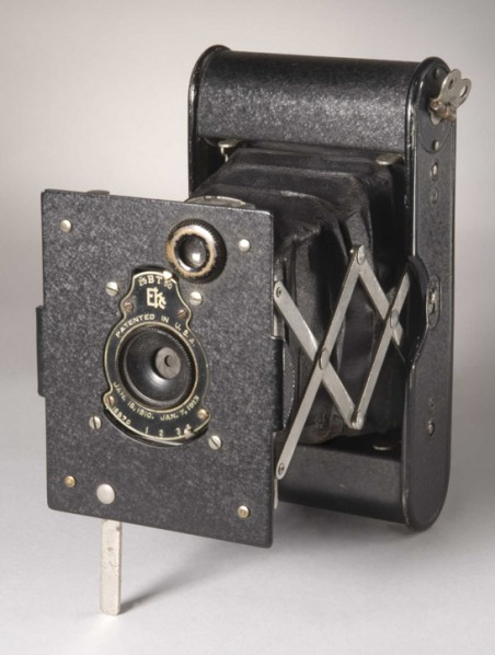 vest-pocket-autographic-kodak-camera-c-1914