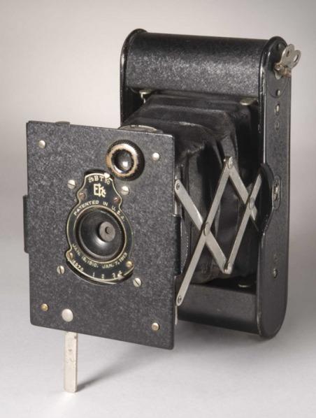 vest-pocket-autographic-kodak-camera-c-1914