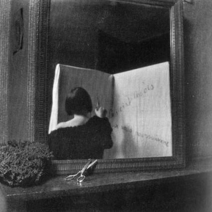 Paul Nougé, The birds are following you, c. 1929-1930