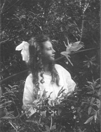 elsie-wright-1901-1988-frances-and-the-leaping-fairy-cottingley-fairies-3-of-5-1920