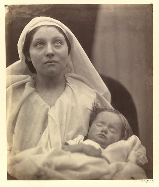 julia-margaret-cameron-la-madonna-esaltata-fervent-in-prayer-1865