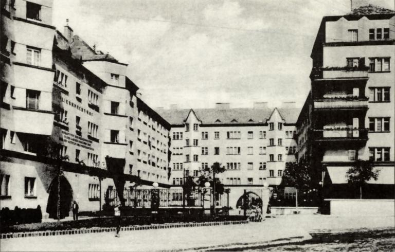 Liebknechthof_1930.jpg