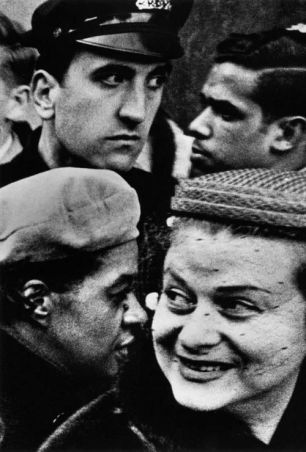 William Klein, Four Heads, Thanksgiving Party, Broadway & 33rd, New York 1954