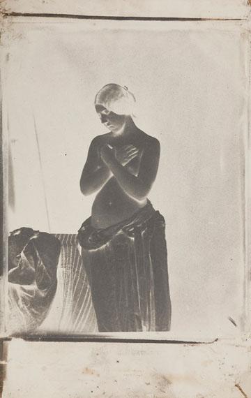 Julien Vallou de Villeneuve (1795-1866) Nu féminin, c. 1852. Paper negative (calotype).
