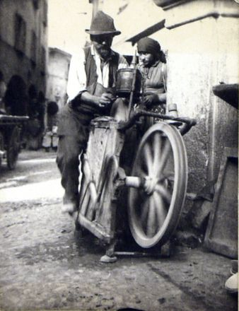 knife-grinder-bellinzona-via-san-bernardino-2-6500-bellinzona-switzerland-17-september-1895
