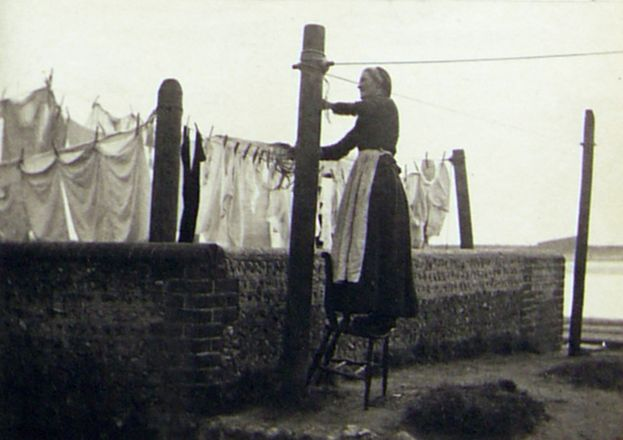 shoreham-woman-making-a-washing-line-79-81-brighton-rd-shoreham-by-sea-west-sussex-bn43-6re-uk-31-march-1891