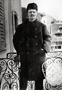 strindberg-dressed-as-a-russian-nihilist-self-portrait-gersau-switzerland1886