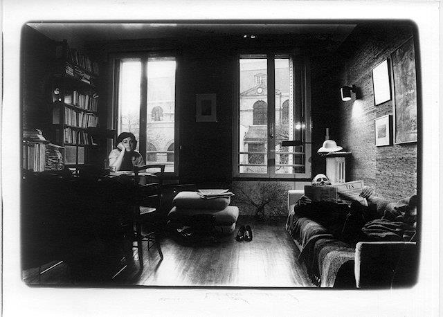 alix-and-jacques-in-their-apartment-on-the-rue-des-francs-bourgeois-in-paris