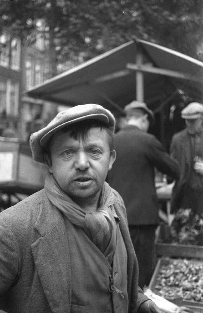 emmy-andriesse-market-stallholder-jordaan-amsterdam-1937