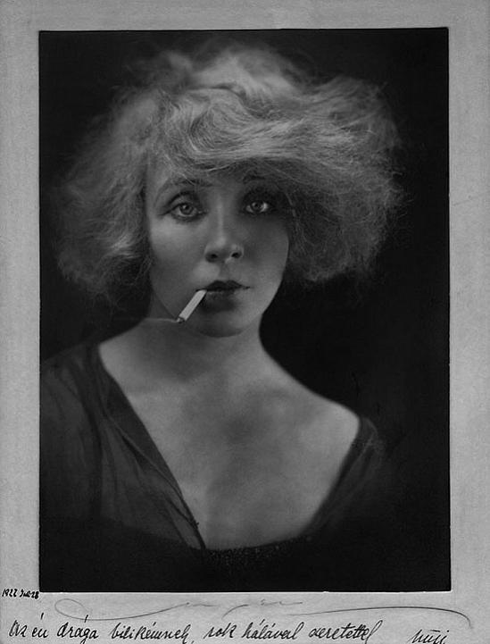 sulyok-maria-divatfotoja-1938-paul-pal-funk-angelo