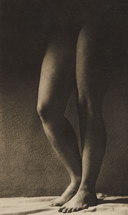 albin-guillot-laure-la-deesse-cypris-1946-15-5-x-26-cm-photogravure