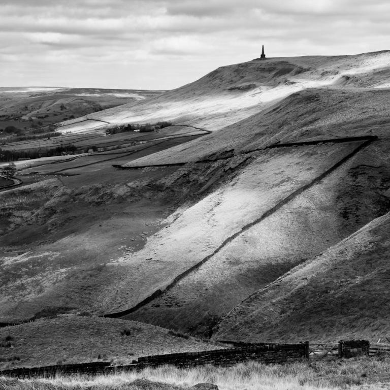 stoodley-pike-calderdale-yorkshire