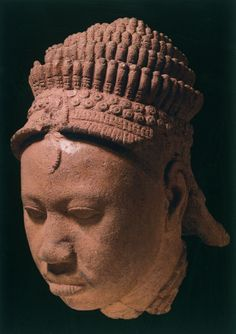 yoruba-head-of-a-queen-from-ita-yemoo-ife-nigeria-century-terracotta-photo-courtesy-to-marcelino-botin-foundation