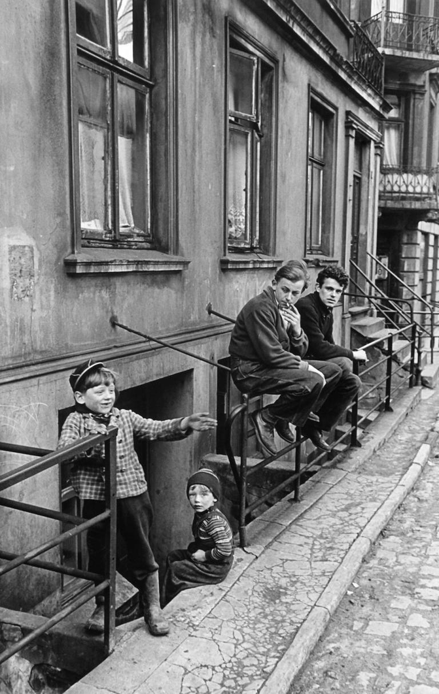 herbert_dombrowski_licht_ueber_altona_30_1955