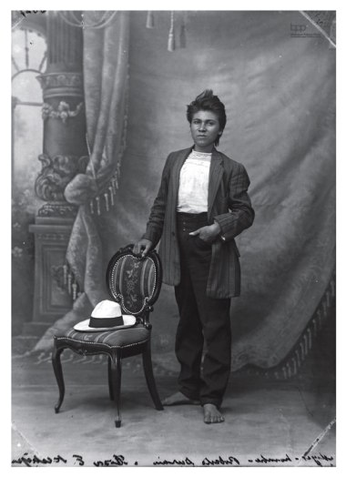 Benjamin de la Calle (1912) Rosa Emilia Restrepo or Roberto Durán.