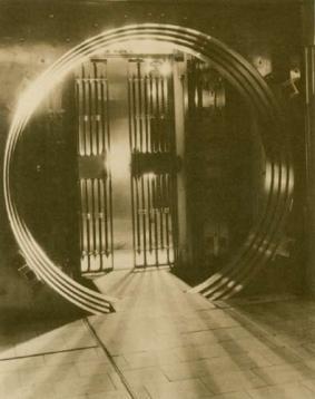 Margaret Bourke-White (1929) Boston bank vault.