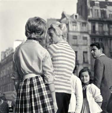 Maria Austria (1960) People waiting, street scene, Paris.