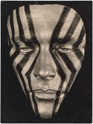 wolfram-mehring-maquillage-en-chevrons-date-de-prise-de-vue-1960-04