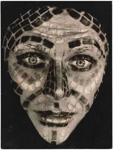 wolfram-mehring-maquillage-en-mosaique-date-de-prise-de-vue-1961-04