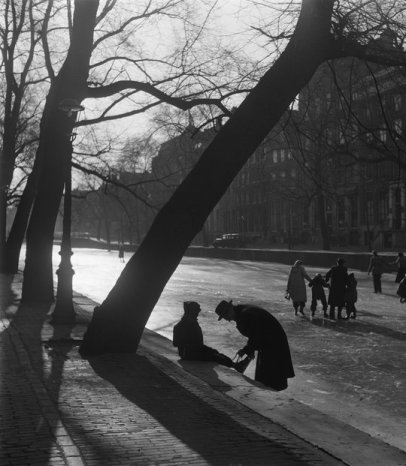 Kees Scherer (1954) Learning to skate