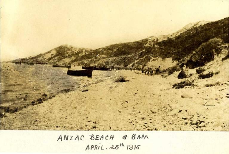anzac_beach25apr6am-L