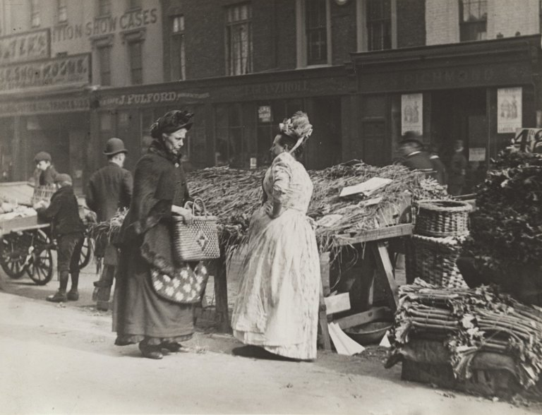 Paul Martin Fishmonger's Wife, The New Cut Market, London 1892