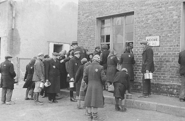 Soup line in the Lodz (Litzmannstadt) Ghetto. Source- Art Gallery of Ontario, Toronto