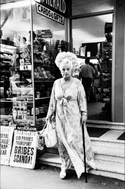 Rennie Ellis (1970-71) Auntie Mame, Kings Cross, Kings Cross silver gelatin, selenium toned fibre based 43.5 x 29 cm