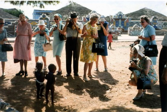 Ed van der Elsken (1973) American Tourists in South Africa