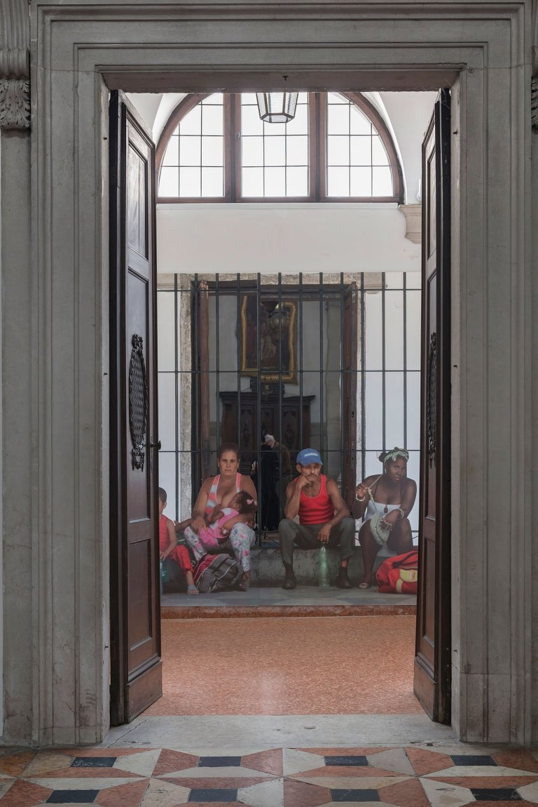 f4_michelangelo_pistoletto_one_and_one_makes_three_at_basilica_di_san_giorgio_isola_di_san_giorgio_maggiore_venice_biennale_2017_photo_oak_taylor_smith_yatzer
