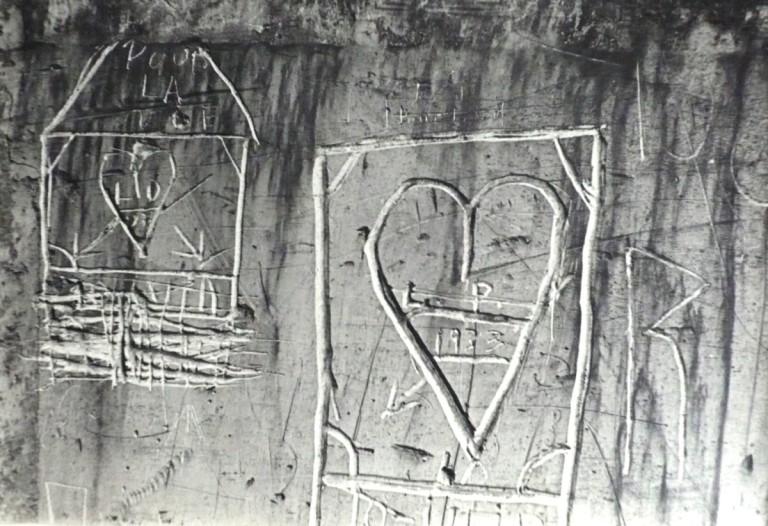 Horacio Coppola Graffiti Silver gelatin print, 59.7 x 41.1 cm