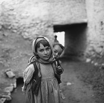 Paul Almasy (1963/4) Afghan children