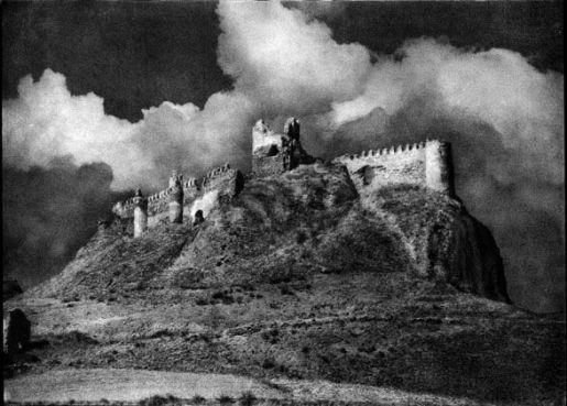 José Ortiz-Echagüe (1935) Clavijo. La Rioja, carbon print