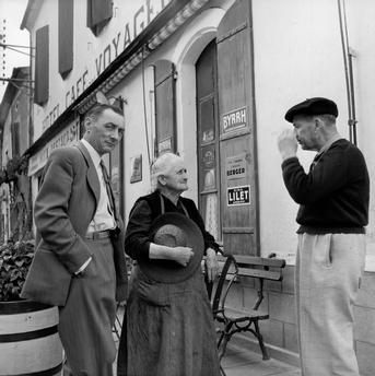 Paul Almasy (1961) French street scene.