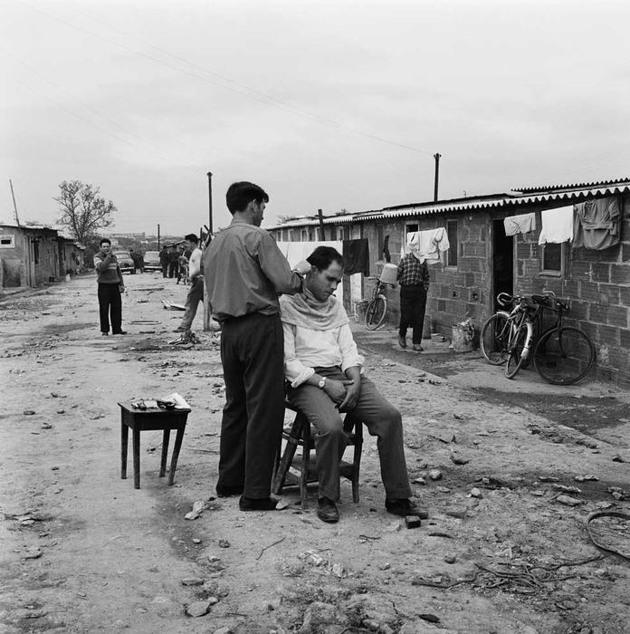 Le bidonville portugais de Champigny-sur-Marne, Paul Almasy, 1963