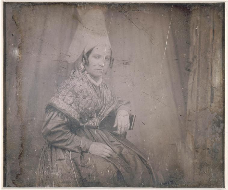 Louis-Adolphe Humbert de Molard Paysanne assise 1845 Daguerreotype 14.3 x 10.8 cm