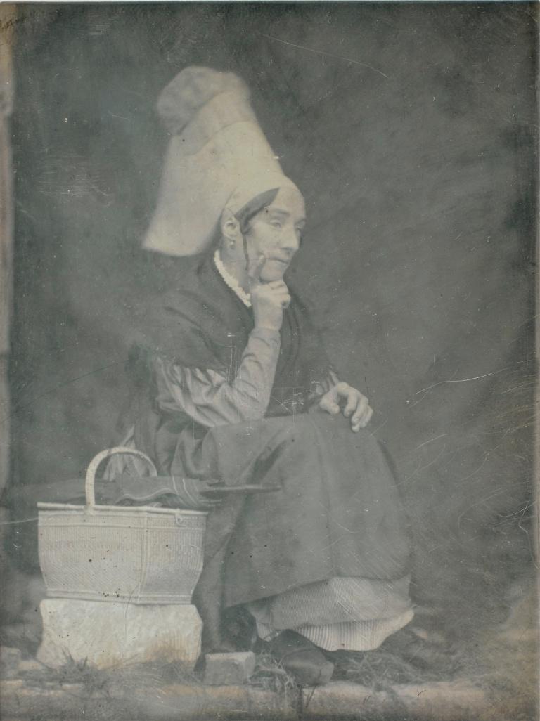 ouis-Adolphe Humbert de Molard Femme portant une coiffe de la region de Lisieux, Argentelle 1846, 14 September Daguerreotype, 1:4 plate