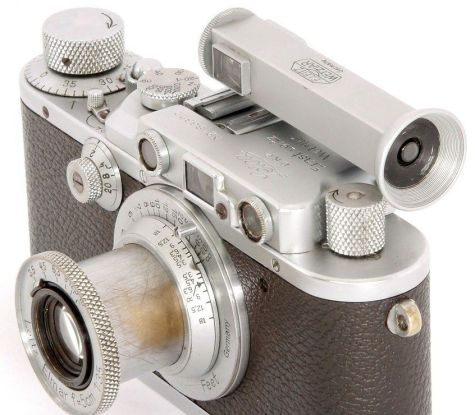 Leica WINTU finder mounted on a Leica IIIa rangefinder c.1935