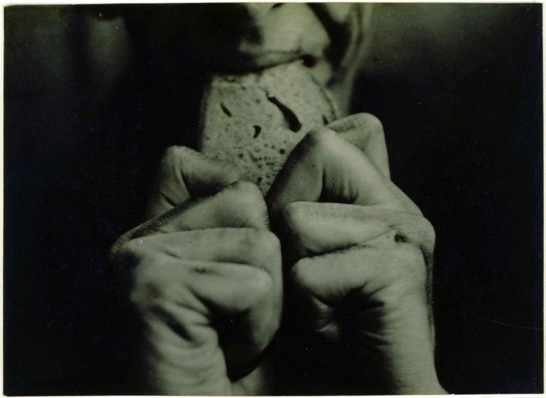 Alice Lex-Nerlinger, Hände Reden 3, 1928, Fotografie, 14 X19,