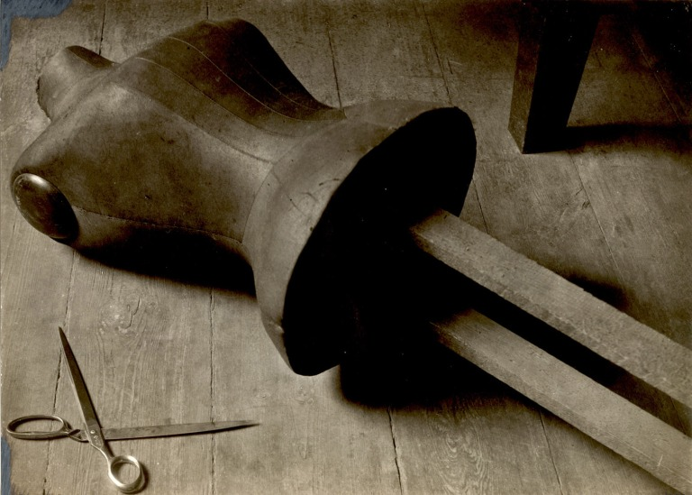 Alice Lex-Nerlinger | Schneiderpuppe, ca. 1928