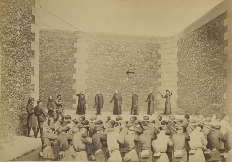 Ernest Eugène Appert, Exécution des otages, prison de la Roquette, le 24 mai 1871