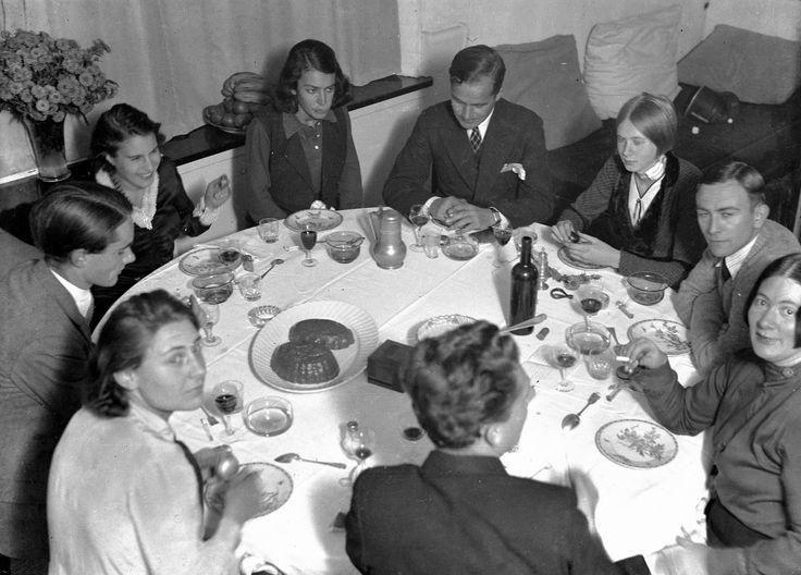 Mahlzeit mit Freunden ca.1935 mit Charley Toorop, Edgar Fernhout, Rachel