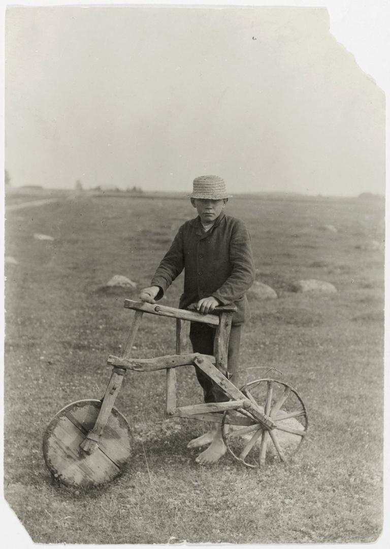 A cyclist homemade bike Tarvastu Viljandi County