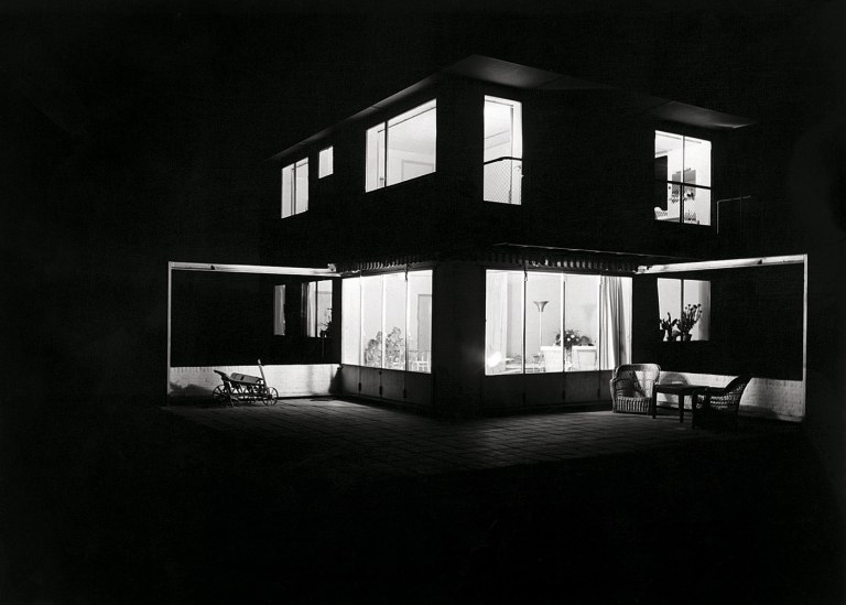 Eva Besnyö Untitled [Summer house in Groet, North Holland. Architects Merkelbach & Karsten] 1934 18.2 x 24.2 cm Collection Iara Brusse, Amsterdam