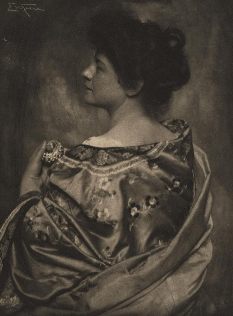 Frank Eugene Kimono - Frl. v. S. [Camera Work, no. 31] 1910 (photogravure) Photogravure 6 7:8 × 4 15:16 ins (17.4 × 12.5 cm Philadelphia Museum of Art From Coll. Doroth