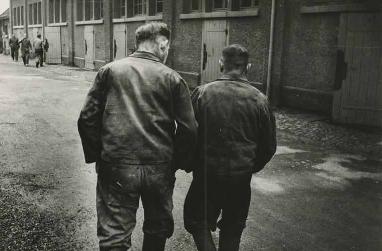 JAKOB-TUGGENER-Senza-titolo-Geigy-Basilea-1953-∏-Jakob-Tuggener-Foundation-Uster-759x500