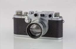 LEI0320_189_Leica_IIIc_chrome_-_Sn._384761_1941-M39_Front_view-Bearbeitet
