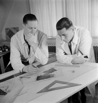 Eva Besnyö (1936) Portrait of the architects of the Modern Movement Charles Ben Merkelbach and Karsten