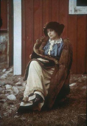 Wladimir Schohin (c.1907) Portrait of Nadezhda Schohin. Autochrome The Finnish Museum of Photography : AFK collection